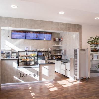 Das Café Ludwig ist die Anlaufstelle für das Alte Postamt.